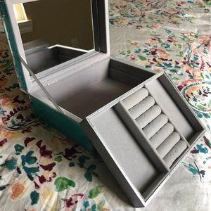 Storage & Organization - Like New Turquoise Mirrored Jewelry Box